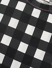 STINE GOYA - Boris, 1003 Drapy Jersey - t-shirts - gingham black - 3