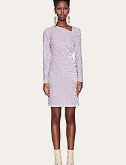 STINE GOYA - Moa, 1087 Velvet Devoré - stramme kjoler - dots lilac - 0