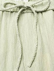 STINE GOYA - Gulcan, 1143 Crinkled Tencel - bukser med brede ben - sage - 4
