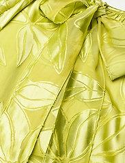 STINE GOYA - Addyson, 1107 Lemon Chiffon - sommerkjoler - lemon - 4