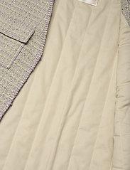 STINE GOYA - Leona, 1120 Boucle - knitted vests - lilac - 3