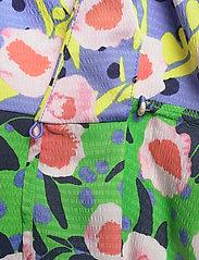 STINE GOYA - Karla, 1169 Textured Poly - sommerkjoler - flowermarket mix - 3