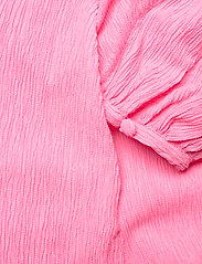 STINE GOYA - Rosen, 1213 Crinkled Tencel - sommerkjoler - pink - 5
