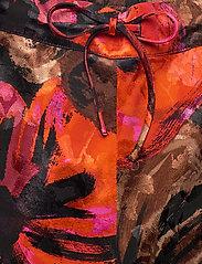 STINE GOYA - Dane, 1167 Pajama Jacquard - casual shorts - opium brown - 3