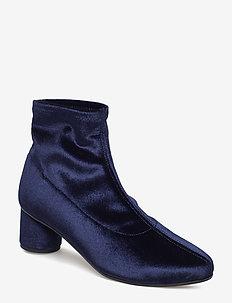 Portland, 459 Stretch Velvet Shoes - INDIGO