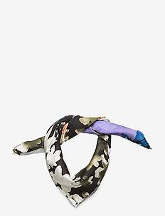Tilda, 1045 Silk Scarves - sjalar & halsdukar - flora