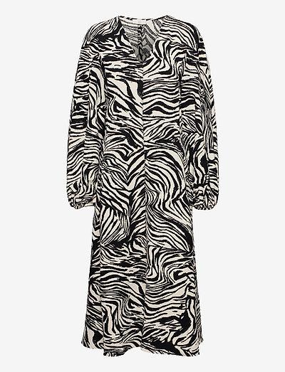 Rosen, 1092 Structure Stretch - midiklänningar - zebra black