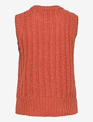 Storm & Marie - Oda Slipover - knitted vests - baked apple melange - 1