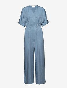 Eden Jumpsuit - buksedragter - light blue