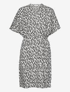 Caesia Cross Dress - slå-om-kjoler - eucalyptus print