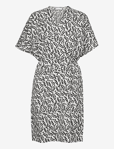 Caesia Cross Dress - sommerkjoler - eucalyptus print