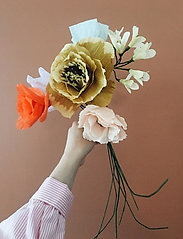 Studio About - PAPER FLOWER, AFRICAN LILY - tørrede blomster - yellow - 1