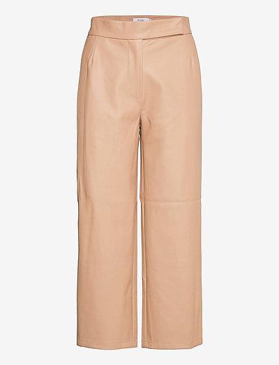 VIVIEN TROUSERS - pantalons en cuir - beige