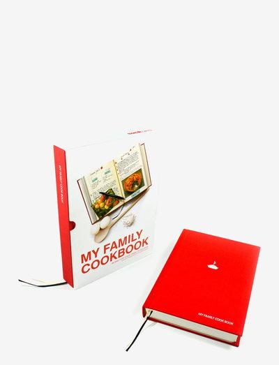 MY FAMILY COOK BOOK RED - Øvrige bakeredskaper - red