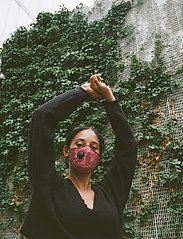 SUPALABS - LI ADULT HERO MASK RED PAISLEY - ansiktsmasker - red paisley - 3