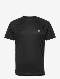TRAIN ACTIVE TEE - t-shirts - black