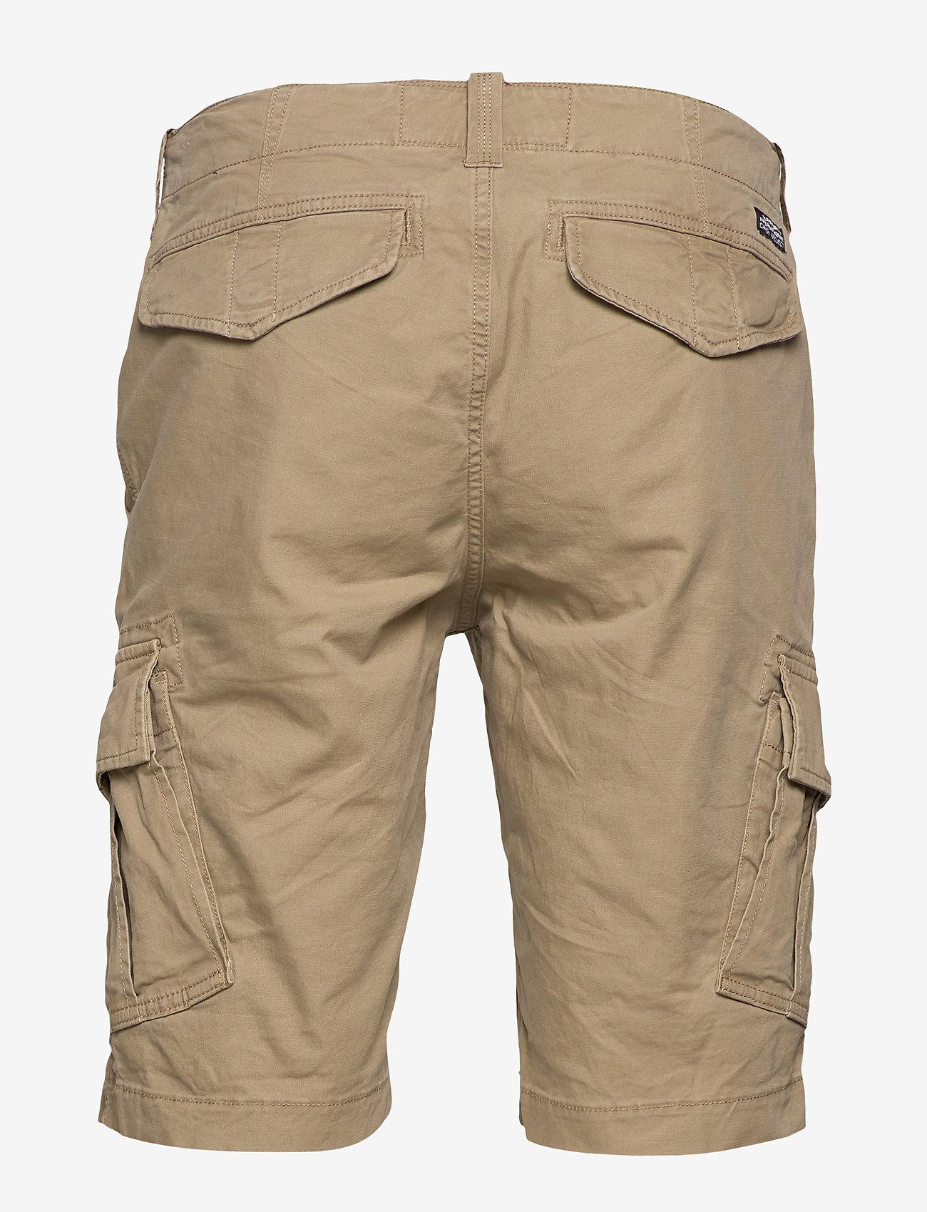 Superdry - CORE CARGO SHORTS - cargo shorts - dress beige