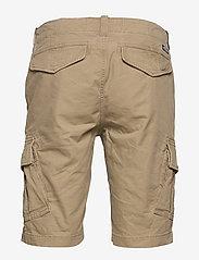 Superdry - CORE CARGO SHORTS - cargo shorts - dress beige - 1