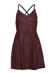 ALEXANDRA VEE SKATER DRESS - WINE
