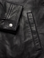 Superdry - CURTIS LIGHT LEATHER JACKET - nahkatakit - black - 4
