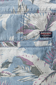 Superdry - NUE WAVE WASH SHORT - rennot - paradise chambray hibiscus - 4