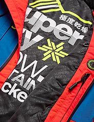 Superdry - SD MOUNTAIN JACKET - skijakker - volcanic orange/acid cobalt - 6