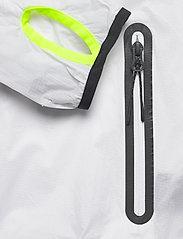 Superdry - TRAINING LIGHTWEIGHT JACKET - sportjacken - optic - 4