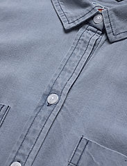 Superdry - SLEEVELESS SHIRT - sleeveless blouses - light wash - 2