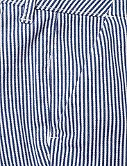 Superdry - City Chino Short - bermudas - navy stripe - 2