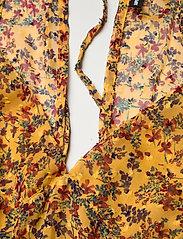 Superdry - MARGAUX MAXI DRESS - kveldskjoler - autumn ditsy gold - 2