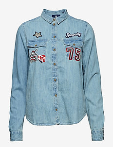 OVERSIZED BADGED DENIM SHIRT - COLLEGE BLUE