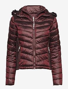 HOODED LUXE CHEVRON FUJI - DEEP RUBY