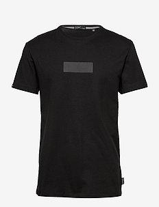 SURPLUS GOODS BOXY GRAPHIC TEE - basic t-shirts - black
