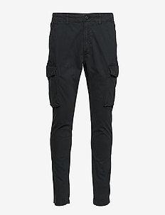 SLIM CARGO PANT - cargo housut - washed black