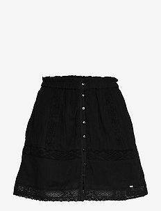 ELLISON TEXTURED LACE SKIRT - korta kjolar - black
