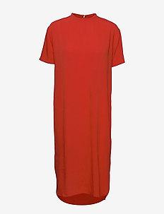 CURVE HEM SHIFT DRESS - everyday dresses - grenadine
