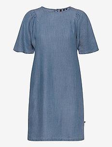 TENCEL TSHIRT DRESS - midi dresses - light wash