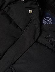 Svea - Short Padded JR Jacket - puffer & padded - black - 6