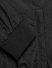 Svea - U. Dark Windbreaker Jacket - lichte jassen - black - 5