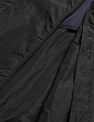 Svea - U. Dark Windbreaker Jacket - lichte jassen - black - 6