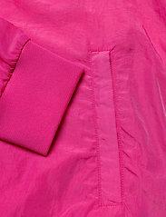 Svea - U. Dark Windbreaker Jacket - lichte jassen - bright pink - 3