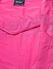 Svea - U. Dark Windbreaker Jacket - lichte jassen - bright pink - 4