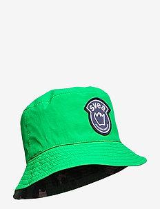 K. Bucket Hat - vivid green