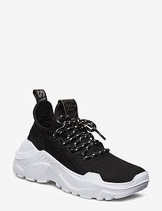 Fly Sneaker - BLACK
