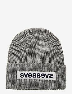 Big Badge Svea Hat - GREY