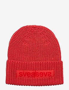Big Badge Svea Hat - RED