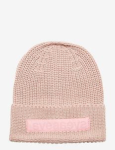 Big Badge Svea Hat - SOFT PINK