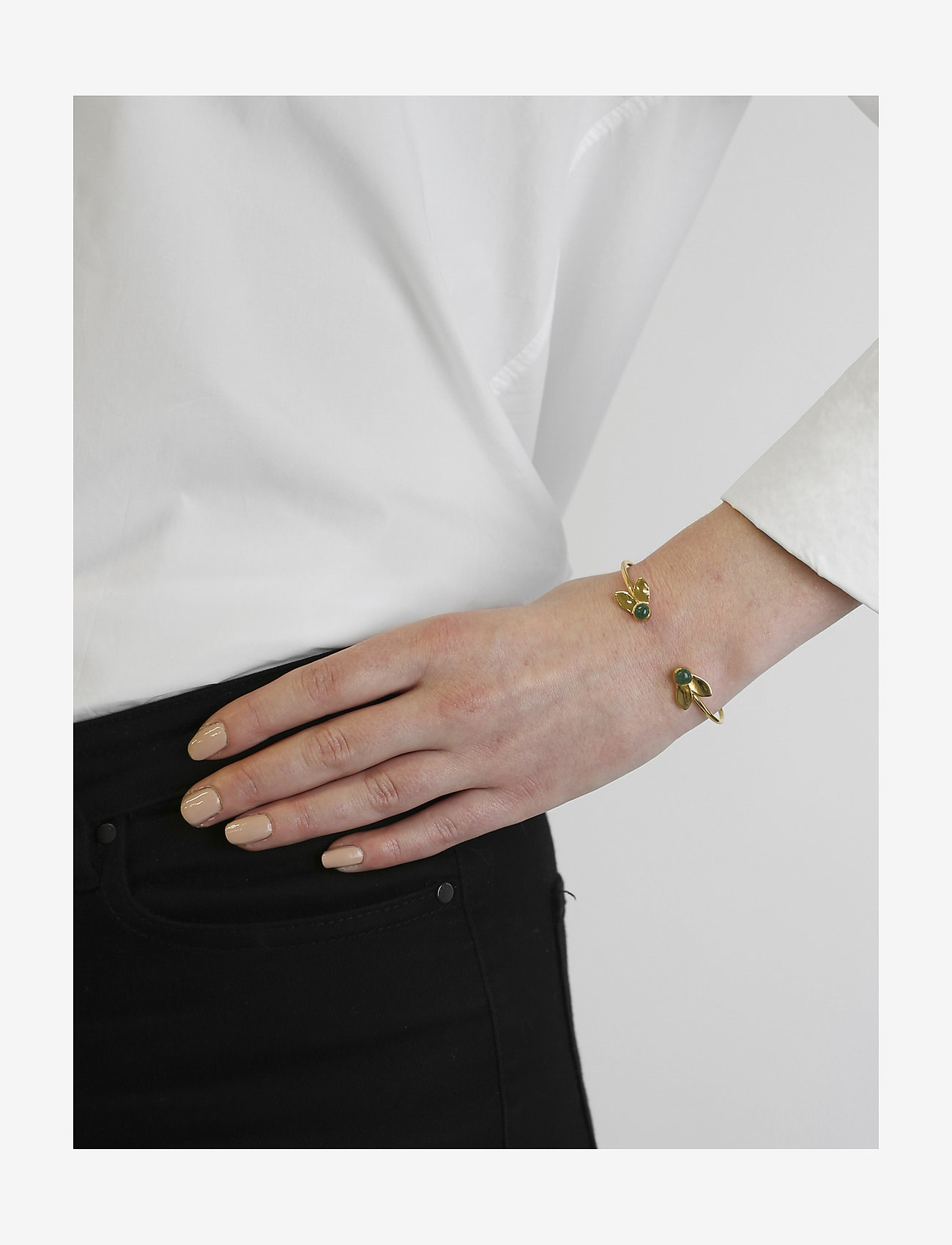 Syster P Flakes Bangle Gold Green Aventurine - Smycken