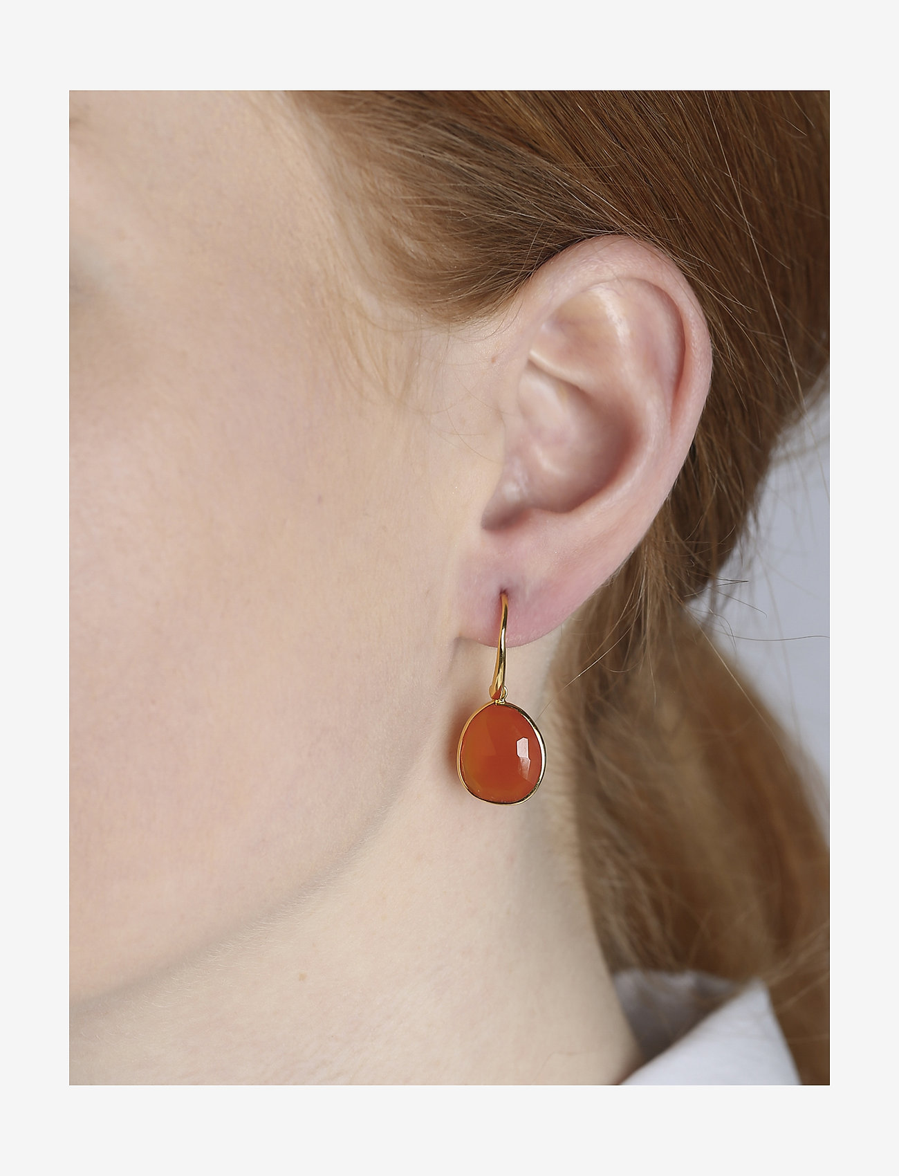 Syster P - Glam Glam Earrings Gold - oorhangers - carnelian - 1