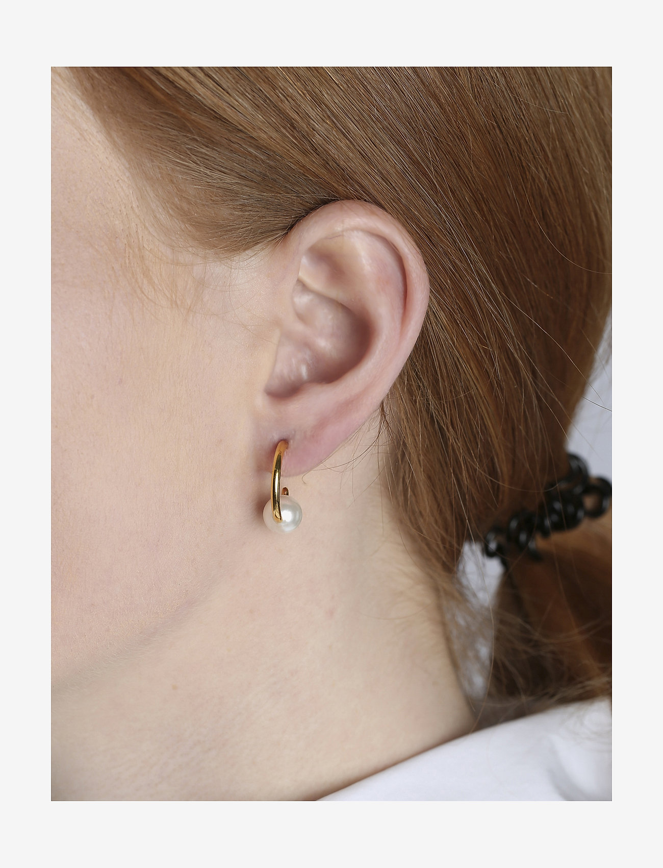 Syster P - Pearly Small Hoops Gold White - hopen - gold - 1